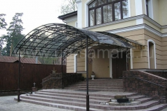kozyrki-iz-metallokonstrukcii-ug-samara