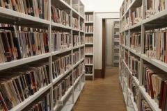 metalicheskie-stelyaji-dlya-sklada-ili-biblioteki-v-samare