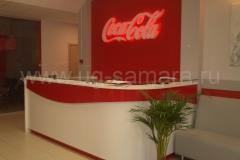 Рецепция в фирменном стиле из ЛДСП для CocaCola (Кока-Кола)!